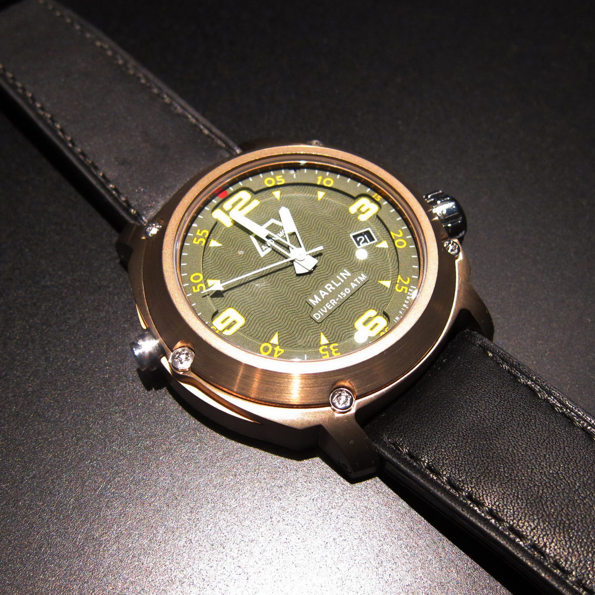 Bronze or tanned watches - Bronze dive watch ...