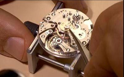 Audemars Piguet watch mechanism setting-up