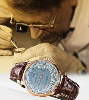 Svend Andersen is assembling Andersen Geneve watch