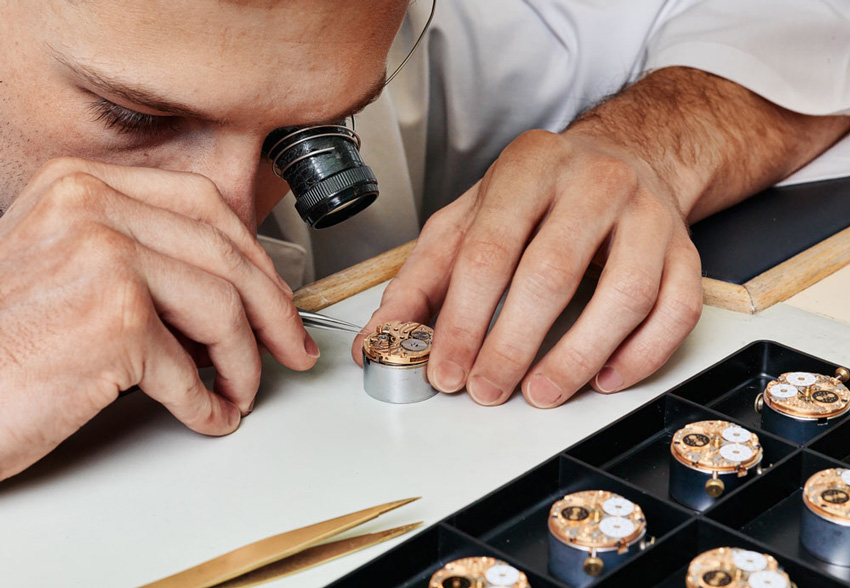 CodeX watch mechanism assembly