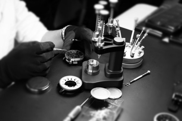 Tendence watch assembly