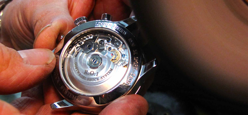 Roland Oostwegel watch creating