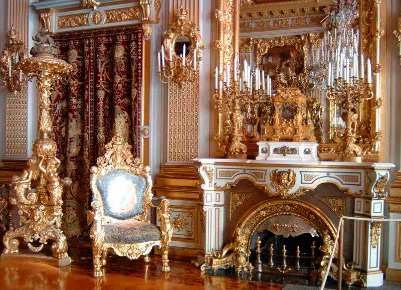 Mantel clock in the Herrenchiemsee castle-palace
