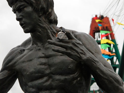 Bruce Lee's statue with Speake-Marin watch