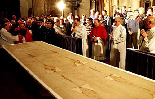 worship of the Shroud of Turin