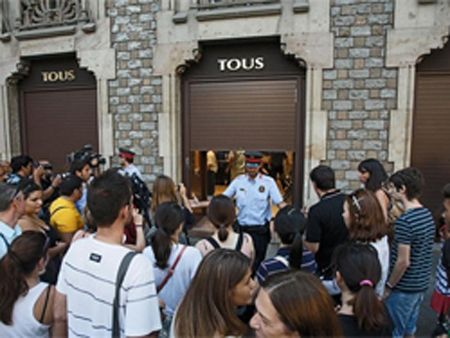 Again a robbery! In the center of Barcelona were stolen 20 Rolex watches!