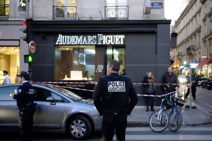 Audemars Piguet boutique was robbed In Paris