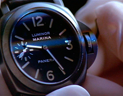 "Frame of the film ""Eraser"" - Schwarzenegger winds his Panerai watch"