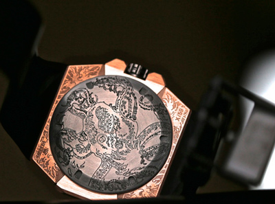 Linde Werdelin Oktopus Moon Tattoo watch caseback