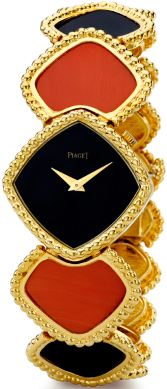 Watch in yellow gold with onyx and coral, mechanism Piaget 9P, 1974